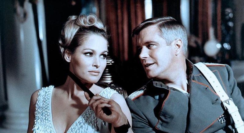Ursula Andress George Peppard